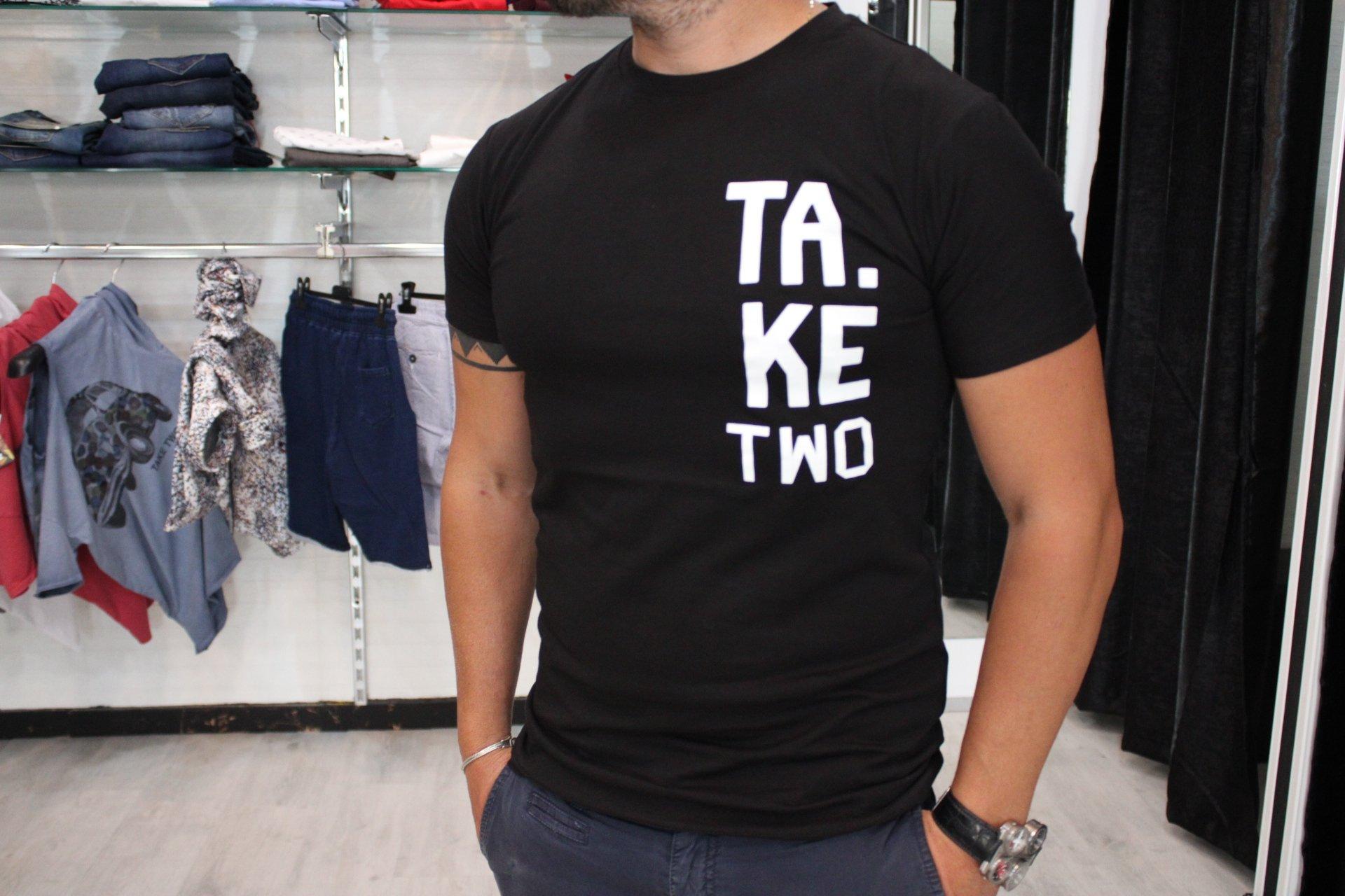 T-SHIRT TAKE TWO UKE614 - NERO